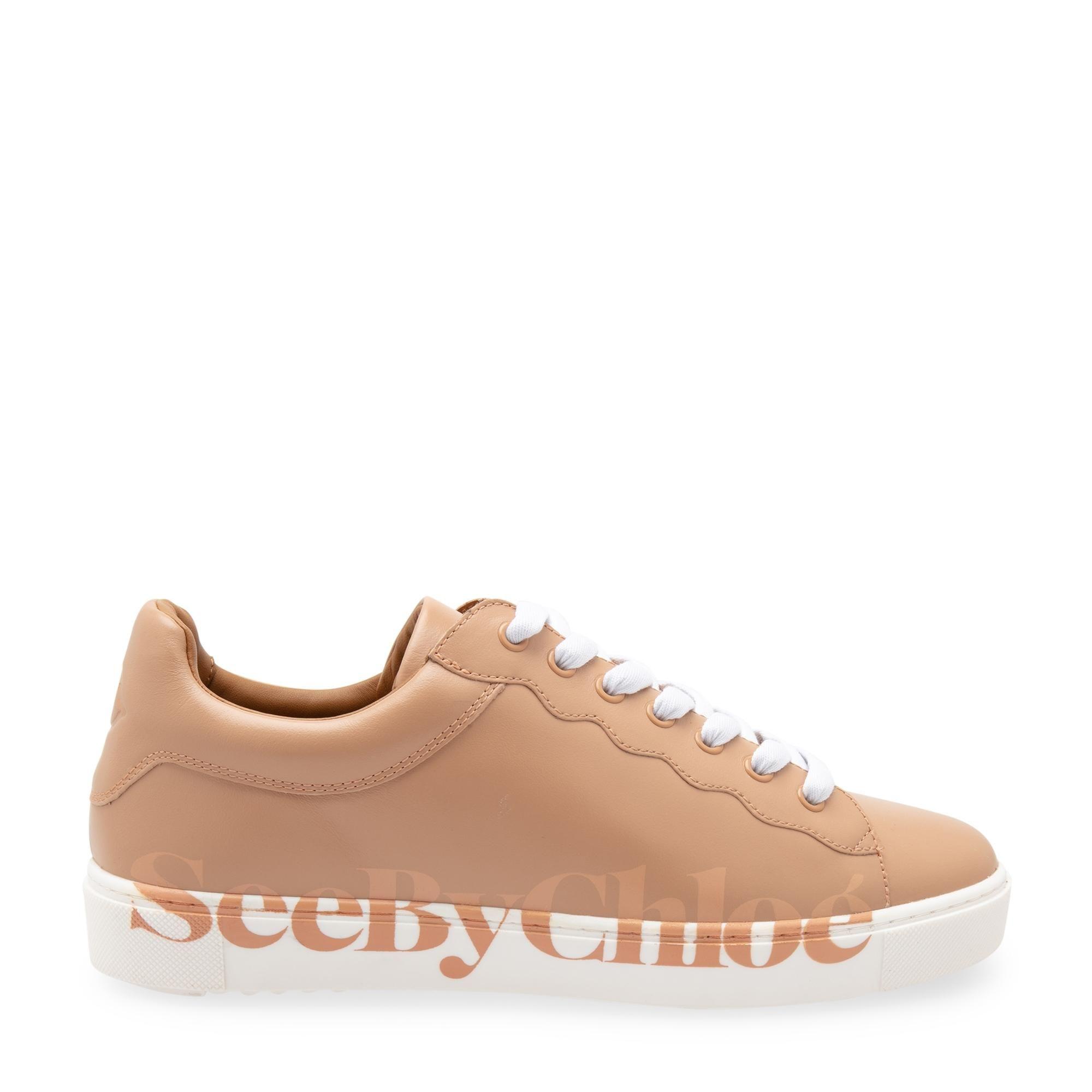 """حذاء """"إيسي"""" الرياضي"""
